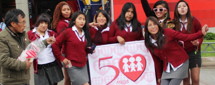 Estudiantes de la Unidad Educativa San Javier La Paz